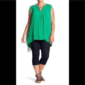 Like New Melissa McCarthy Hi-low pleated top
